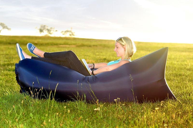 Samonafukovací lazy-bag - èerný