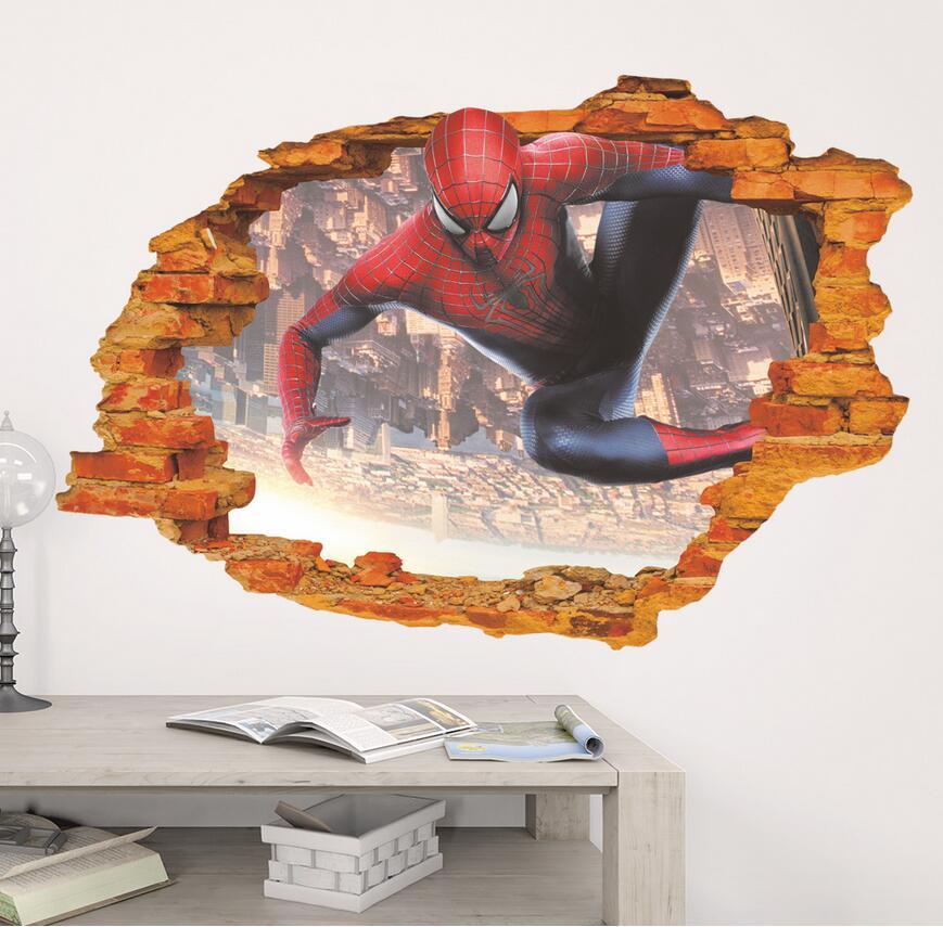 Spiderman v otvoru - zvìtšit obrázek