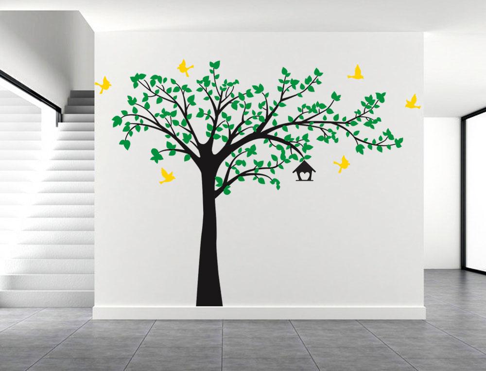 Strom a žlutí ptáci
